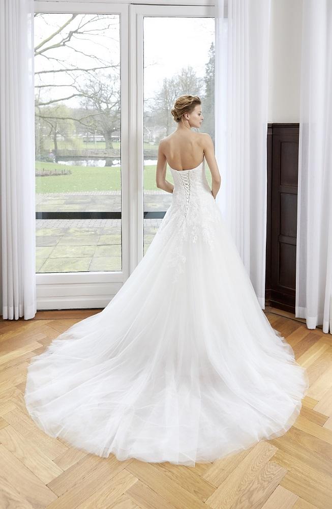 8c4e0a6408 Giszalon eskvi ruha menyasszonyi ruha ruhaklcsnz